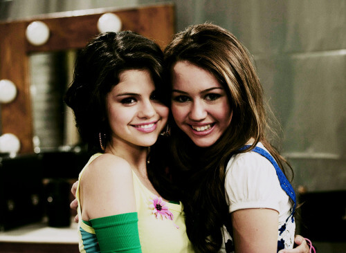 on Justin Bieber edelleen dating Selena Gomez 2012dating otsikko ottelu ideat